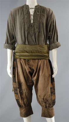 Casual outfit, minus the sleeves. Armor Clothing, Medieval Clothing, Gypsy Clothing, Character Costumes, Character Outfits, Larp, Medieval Costume, Medieval Gown, Black Sails