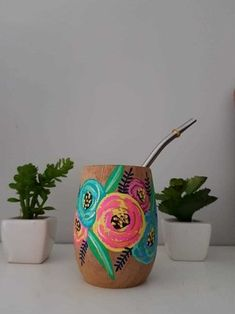 Flower Pot Design, Posca, Painted Pots, Succulent Pots, Hand Painted Ceramics, Clay Art, Flower Pots, Paper Crafts, Diy