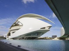 Architectural Imagery of Zaragoza, Spain #SantiagoCalatravaArchitecture Pinned by www.modlar.com