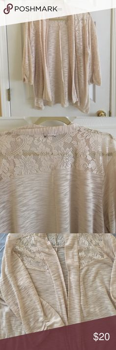 Wet Seal Open Front Cream Cardigan This cardigan features a lace inset yoke and 3/4 sleeves with ruching. It is a heathered oatmeal color made of a cotton/polyester blend. Size 2X Wet Seal Sweaters Cardigans