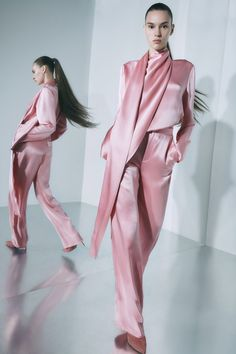 LaPointe Resort 2020 Fashion Show Sally LaPointe Resort 2020 Collection - VogueSally LaPointe Resort 2020 Collection - Vogue Vogue Fashion, Pink Fashion, Fashion Week, Fashion 2020, Runway Fashion, Fashion Outfits, Fashion Poses, Fashion Vintage, Fashion Editorials