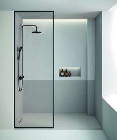 The Limite shower tray in the Product Design category Minimalist Showers, Minimalist Bathroom Design, Modern Bathroom Design, Bathroom Interior Design, Minimalist Design, Behindertengerechtes Bad, Small Bathroom, Master Bathroom, Tadelakt