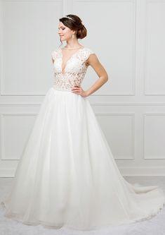 Le Moos Wedding Dresses, Fashion, Dress Wedding, Bride Dresses, Moda, Bridal Gowns, Fashion Styles, Weeding Dresses, Wedding Dressses