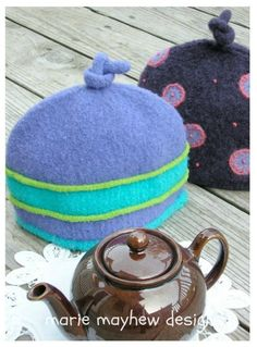 PDF-PATTERN. A Knit & Felt Wool 2-Cup Tea Cozy E-Mail PDF Pattern
