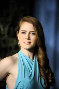 Amy Adams ----->>> This actress, unlike Amanda Seyfried and Anna Faris is a redhead who has changed her hair through the years like being a strawberry blonde for a while and other new styles so far Beautiful Celebrities, Beautiful Actresses, Amy Adams Style, Amy Addams, Actress Amy Adams, Jenifer Lawrence, Drop Dead Gorgeous, Le Jolie, Hollywood Actresses