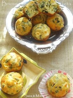 Muffins with spinach and feta cheese Baby Food Recipes, Cake Recipes, Cooking Recipes, Healthy Recipes, Romanian Food, Romanian Recipes, Eat Pray Love, Spinach And Feta, Brunch