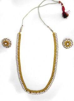 Lovely Yellow Metal Necklace
