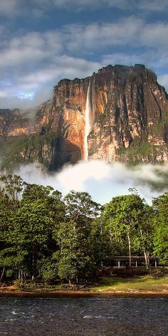 Salto Ángel (Kerepakupai Vená), Auyantepuy, Parque Nacional Canaima, estado Bolívar, Venezuela.
