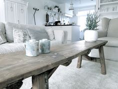 banking landelijk trestle table adds element of industrial feel to this area. Decorating Your Home, Interior Decorating, Interior Design, Style At Home, Living Room Inspiration, Interior Inspiration, Scandinavian Home, Rustic Interiors, Home Living Room