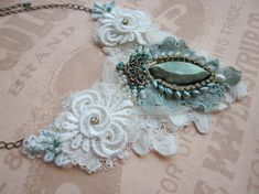 Amazing vintage jewellery by Angela Campos | Beads Magic