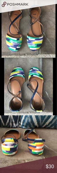 New multicolor strappy Gap flats size 7 New multicolor strappy Gap flats size 7 GAP Shoes