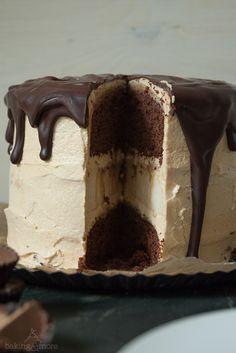 Cheesecake-Schokoladentorte mit Erdnuss und Karamell