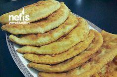 Çiğ Börek (Çi Börek) Tarifi nasıl yapılır? 1.777 kişinin defterindeki bu tarifin resimli anlatımı ve deneyenlerin fotoğrafları burada. Yazar: Nesli'nin Mutfağı