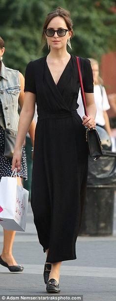 'Best day ever': Black leather brogues artfully matched her buckled over-the-shoulder bag