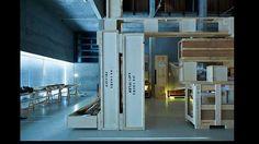 '1:1 Stijlkamers' in Het Nieuwe Instituut, 2015. '...tentoonstellingen waar 'gewerkt' dient te worden. Hier geen plaatjes kijken en bordjes lezen maar een totale onderdompeling in verrassende visies en bijzondere presentaties. De alom aanwezige prikkel van vernieuwing is voelbaar op vele vlakken, terwijl ook met de eigen collectie innovatieve plannen worden ontwikkeld. Soms is het instituut nog wat zoekend, zoals met deze tentoonstelling, maar ook dat past bij haar ietwat eigengereide…