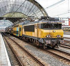 NS 1779 met DDM1 stam 7201 tijdens een testrit in Zwolle, eind februari. R Hemkes