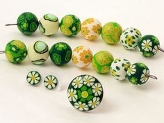 7 Designer Perlen aus Fimo, Polymer clay 17mm .. von filigran-Design   auf DaWanda.com millefiori, Fimoperlen, handmade, Margaritten, ring and earring, beads, ring, premo