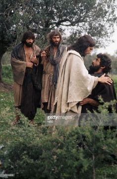 Jonathan Muller as James, son of Zebedee, Tony Vogel as Saint Andrew, Robert Powell as Jesus, James Farentino as Peter-Simon Cephas -- Photo by: NBC/NBCU Photo Bank Jesus Movie, The Bible Movie, Life Of Jesus Christ, Jesus Christ Images, Catholic Pictures, Jesus Pictures, Sons Of Zebedee, Jesus Artwork, Dark Souls Art