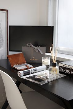 Homevialaura | Home office | work space | Mulberry planner | Ipuro room scent
