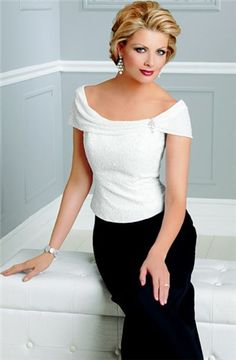 #mob #mothers #motherofthebride #dresses | Cap Sleeve Mother of the Groom Dresses | Black and white mother of the bride ensemble | -------------- We are based in the US and provide women of all sizes custom evening dresses and inexpensive replicas of high end couture gowns. Please contact us for pricing and more details - www.dariuscordell.com