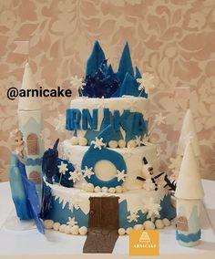 @arnicake  ۰۹۹۱۹۹۵۴۱۶۶ #arnicake #کیک #فوندانت #زیبا #کندی #اینترنتی #فروش #سفارش #طرح_درخواستی #کوکی #کاپ_کیک #پاپس_کیک #تولد #نامزدی #ضد_جاذبه #کیک_وارونه Cake Toronto, Birthday Cake, Desserts, Food, Tailgate Desserts, Deserts, Birthday Cakes, Essen, Postres