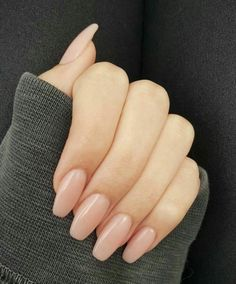 neutral nails with sparkle . neutral nails with accent . neutral nails for pale skin . Neutral Nails, Nude Nails, Pink Nails, Burgendy Nails, Oxblood Nails, Magenta Nails, Nails Turquoise, Beige Nails, Glitter Nails