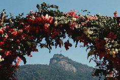 Confira no blog de casamento Colher de Chá Noivas o casamento ao ar livre de Larissa e Luiz, com decoração de Viviane Gratz e fotografia de Gustavo Marialva