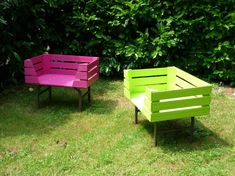 Pallet Outdoor Furniture Unique and awesome pallet garden furniture Pallet Furniture Designs, Pallet Garden Furniture, Outdoor Furniture Plans, Pallets Garden, Handmade Furniture, Furniture Ideas, Pallet Gardening, Balcony Furniture, Cheap Furniture