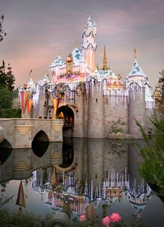 """pounds of """"snow"""" are used to decorate Sleeping Beauty castle at Disneyland---Merry Christmas from my Never Land! Disneyland Christmas, Disneyland Castle, Disneyland Vacation, Disneyland California, Disney Holidays, Disneyland Photos, Anaheim California, Vintage Disneyland, Vacation Spots"""