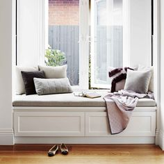 Modern Home Decor Bedroom Window Seat Cushions, Window Benches, Farmhouse Interior, Apartment Design, Home Decor Bedroom, Decoration, House Design, Interior Design, Living Room