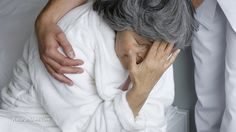 Age-related macular degeneration is often followed by depression, method found that cuts risk in half