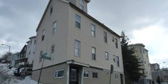 Great Opportunity for a 3-Unit Mixed Use Property!