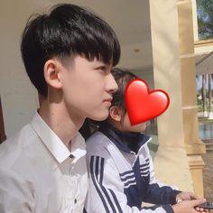 Trong hình ảnh có thể có: 1 người Ulzzang Kids, Korean Boys Ulzzang, Ulzzang Couple, Cute Korean Girl, Vkook, Girl Couple, Tumblr Boys, Flower Boys, Hot Boys