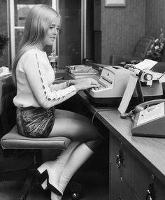 Super secretary. | {Another Era} | Pinterest | Secretary, Vintage ...
