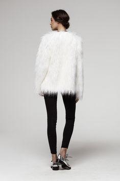 #winterfashion White Faux Fur Jacket, Fake Fur, Winter Fashion, Fur Coat, Winter Hats, Jackets, Collection, Winter Fashion Looks, Fur Coats