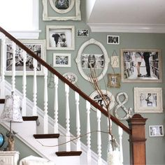 Staircase wall is often a cold corner overlooked by homeowners. But with a little creativity, your staircase wall can be transformed from an ignored area to an attractive focal point. The staircase wall is just like a blank canvas and you can displa Gallery Wall Staircase, Gallery Walls, Picture Wall Staircase, Frame Gallery, Picture Frames On The Wall Stairs, Decorating With Picture Frames, Round Picture Frames, Shabby Chic Picture Frames, Antique Picture Frames