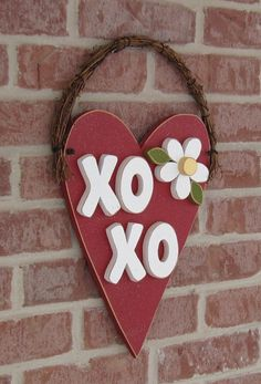 Items similar to RED HANGING HEART xoxo for valentine, february, door and home wall hanging decor on Etsy Valentine Day Love, Valentine Day Crafts, Holiday Crafts, Holiday Fun, Valentine Ideas, Bee Crafts, Preschool Crafts, Crafts To Make, Crafts For Kids