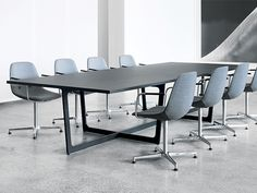 Erik JørgensenEJ 2-X Eyes Arm Chair
