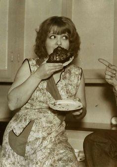 Clara Bow and Cake.