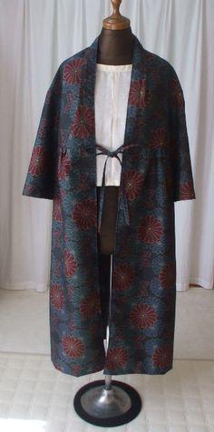 大島紬からカーディガン風コートの作り方 Kimono Coat, Yukata, Tunic, One Piece, Blouse, Skirts, How To Make, Pants, Tops