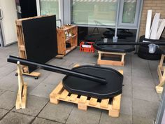 Outdoor Classroom, Classroom Setup, Classroom Design, Eyfs Outdoor Area, Outdoor Play, Outdoor Ideas, Continuous Provision Year 1, Childcare Rooms
