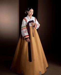 Hanbok Korean Hanbok, Korean Dress, Korean Traditional Dress, Traditional Dresses, Oriental Dress, Culture Clothing, Wrap Around Skirt, Lolita Dress, Korean Beauty