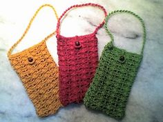 FREE pattern: Ravelry: Cellphone Bag with Wooden Bead Closure pattern by Umme Yusuf