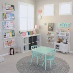 Love the little cubbies and the book shelves!