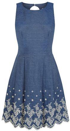 love this denim dress, so easy to add a cute lace sleeve! Black Satin Dress, Satin Dresses, Oasis Dress, Denim Ideas, Jeans Denim, Embroidery Fashion, Chambray Dress, Chic Dress, Denim Fashion