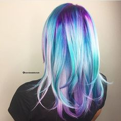 @bleachedandblown from @parlour.eleven is the artist... Pull Riot is the paint.
