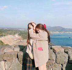 Tag your bff💖 Korean Couple, Korean Girl, Asian Girl, Girlfriend Goals, Bff Goals, Couple Ulzzang, Ulzzang Girl, Cute Lesbian Couples, Lesbian Love