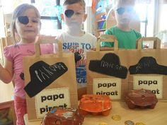 Welkom op de blog van kleuterschool Tichelrij: Papa Piraat! - pakje voor vaderdag knutselen