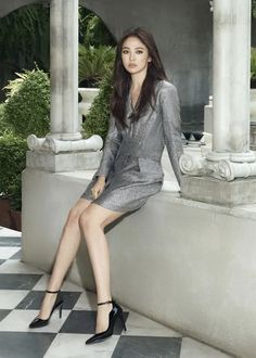 Song Hye Kyo Drops Sultry and New Look First Pictorial Post Divorce Song Hye Kyo, Dramatic Eyeliner, Ada Wong, Yoo Ah In, Girls In Mini Skirts, Asian Hair, Korean Celebrities, Korean Actresses, Asian Style