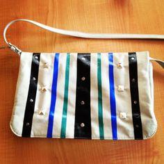 DIY bolso con tachas y pintado con esmaltes